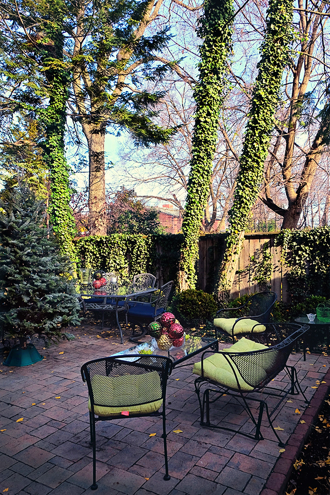 frederick_md_city_patio