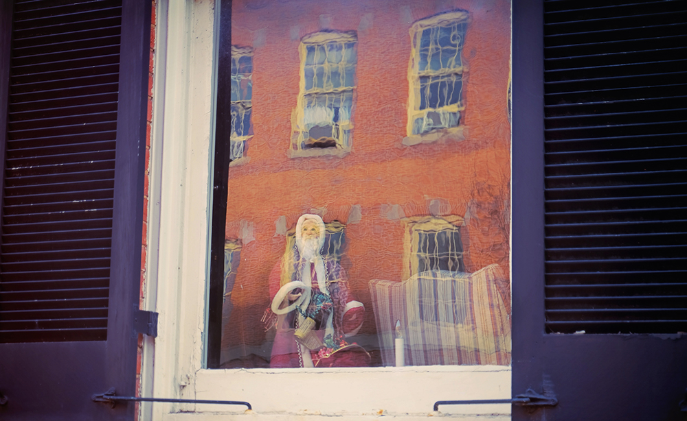 santa_old_window_frederick_md
