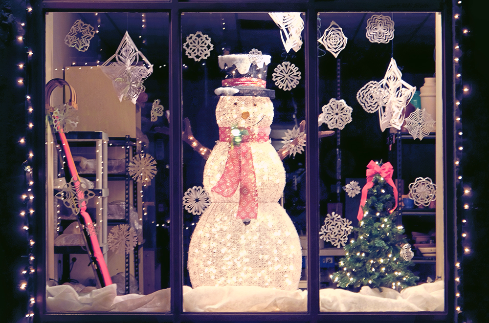 snowman in window3