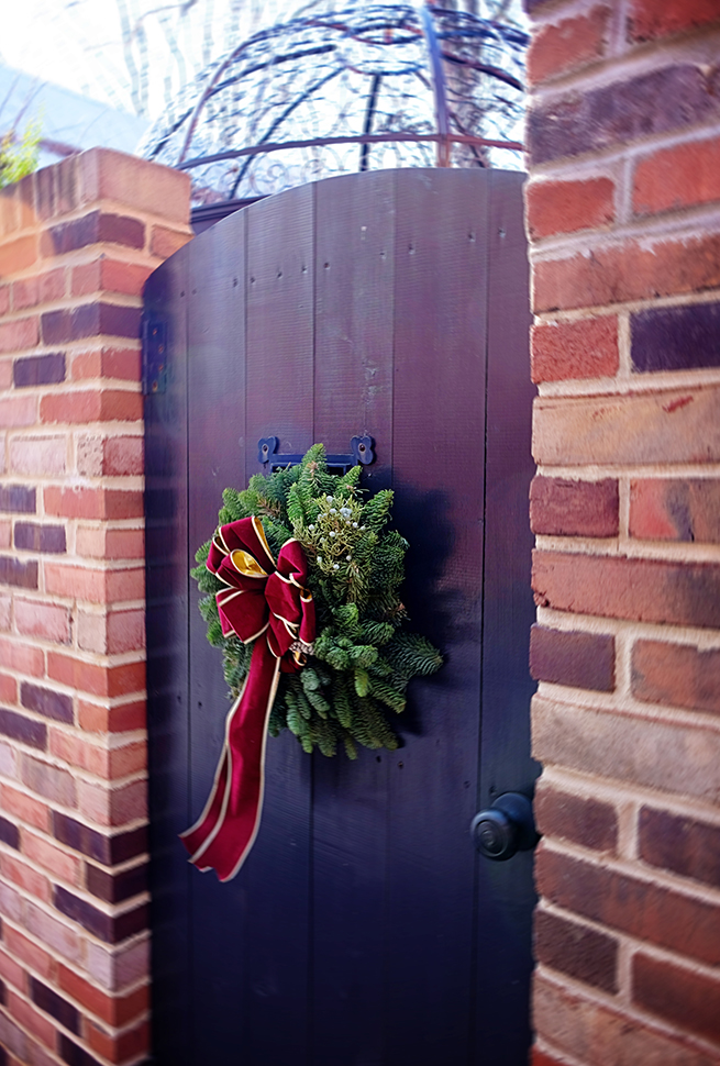 wreath_garden_gate_Frederick_md