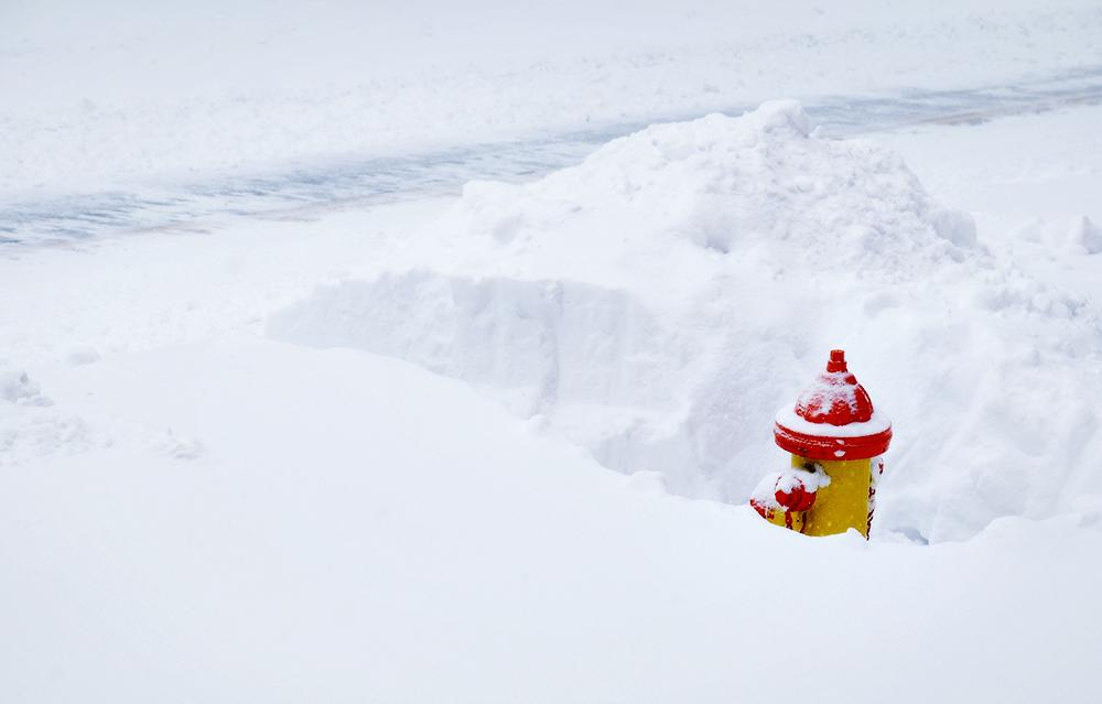 Frederick_blizzard_fire_hydrant