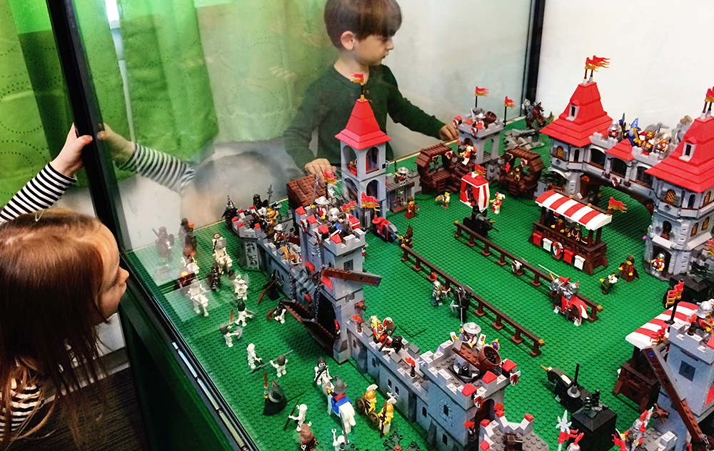 full_lego_Renaissance_fort